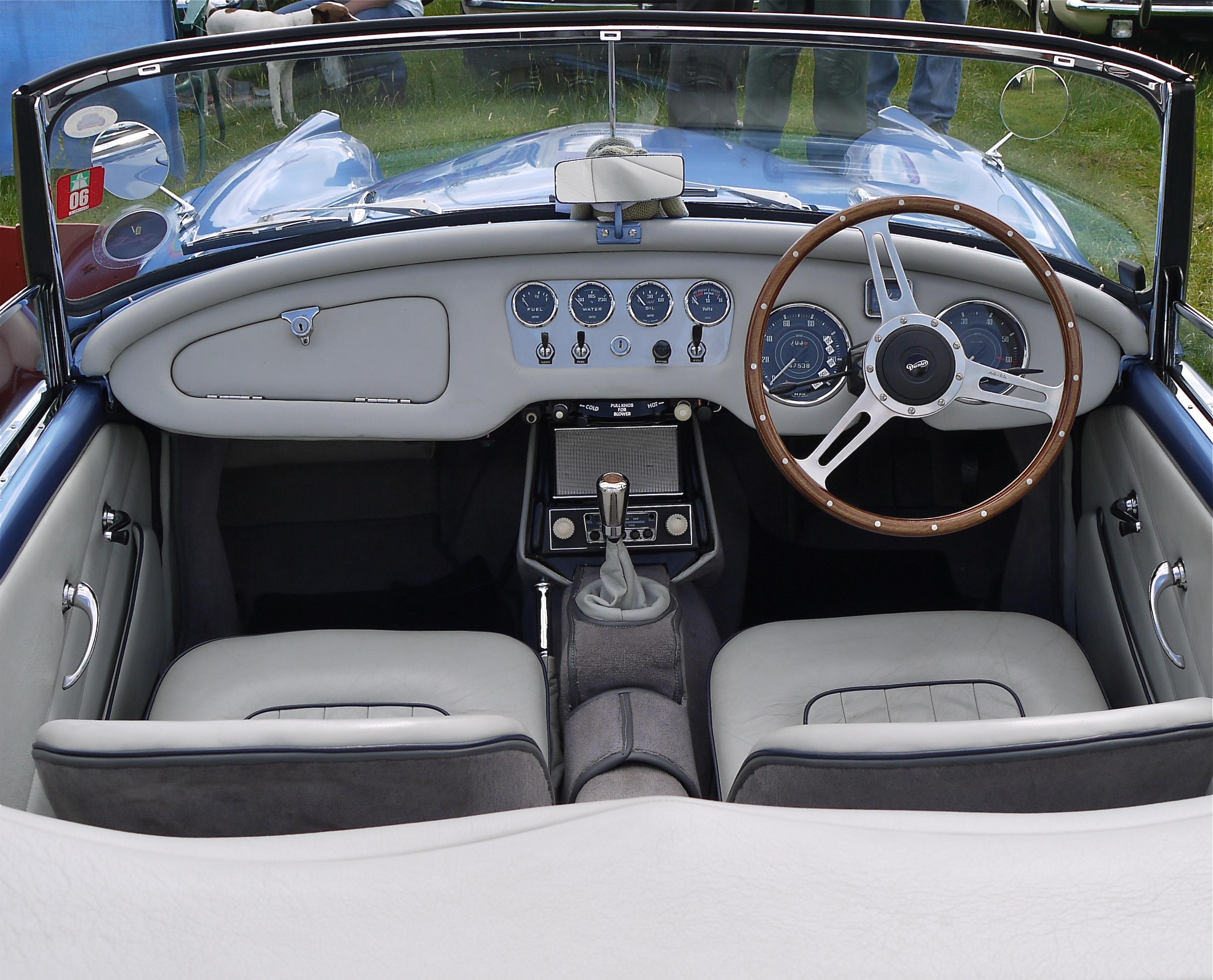 Habitacle Daimler Dart