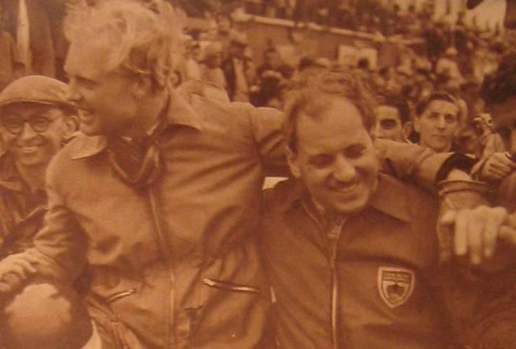 Hawthorn et Bueb, vainqueurs Source : Le Miroir des Sports