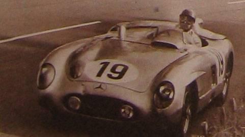 Mercedes 300SLR de Fangio-Moss Source : Le Mirroir des Sports