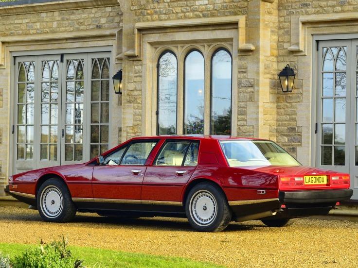 Aston Martin Lagonda Série 2 Source : fabwheelsdigest.blogspot.fr