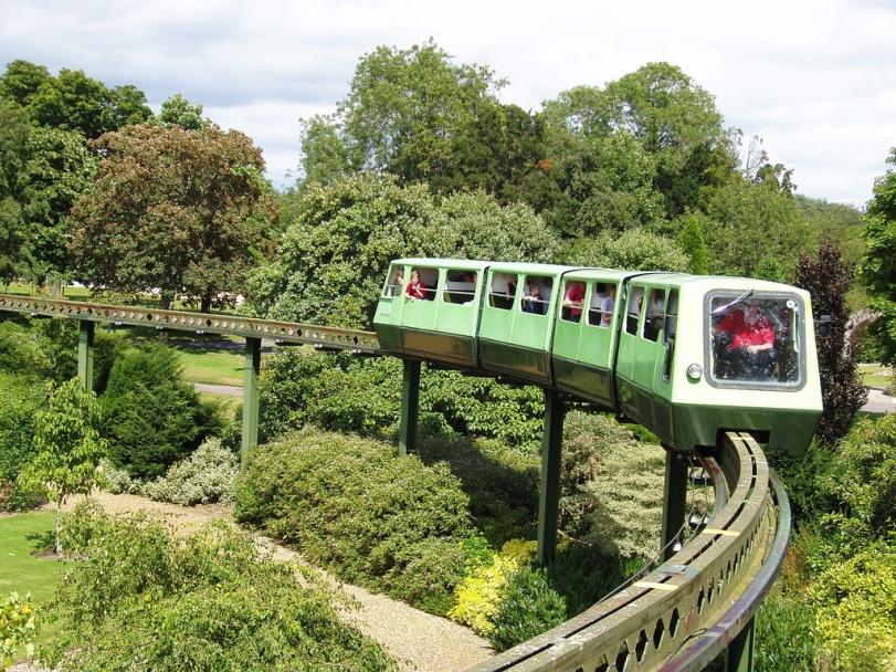 Monorail du National Motor Museum flickr.com