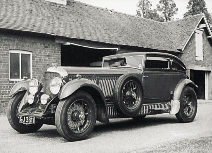 Bentley Speed Six Sportsman Coupé carrossée par Gurney Nutting & Co Ltd, nommée par Barnato ''Blue Train Special'' en souvenir de sa victoire contre le train Source : rrec.de