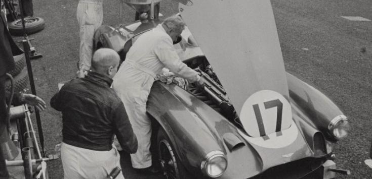 La même lors d'un ravitaillement aux stands Source : Collection George Phillips