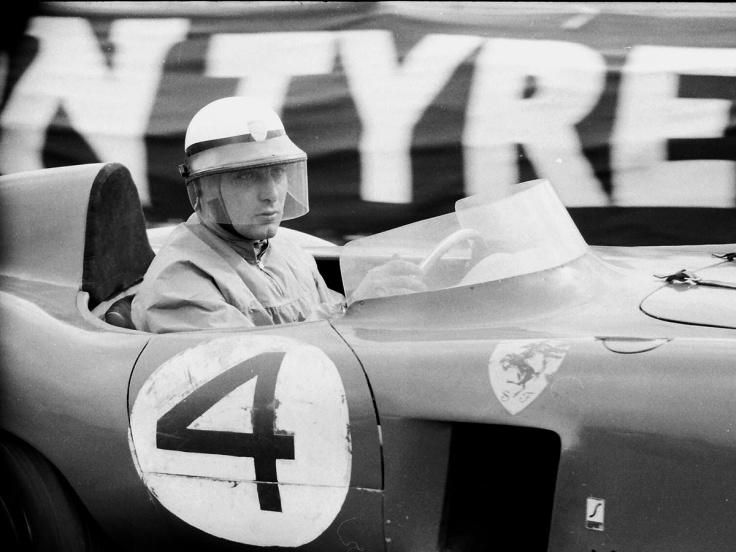 Eugenio Castellotti à bord de sa Ferrari 875 Monza Source : hooniverse.com