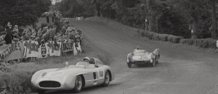 Toujours la Lotus de Colin Chapman, derrière la 300SLR de Moss/Fitch Source : Collection George Phillips