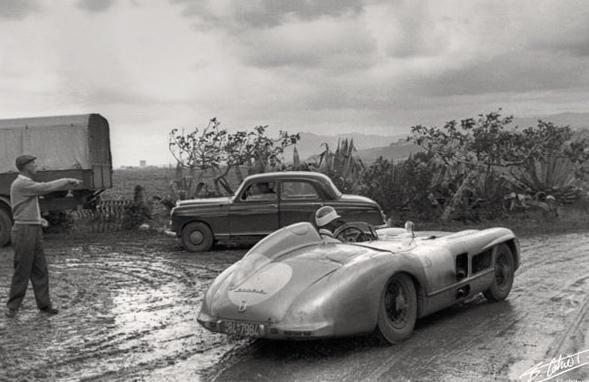 Avant l'attribution des numéros, entrainement sur les routes Siciliennes, sous la pluie.