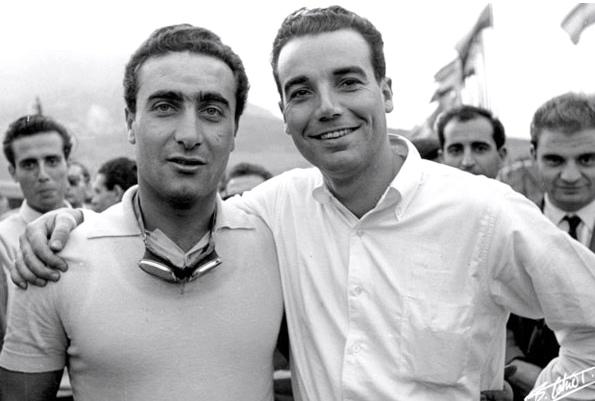Eugenio Castellotti (à gauche) et Roberto Manzon