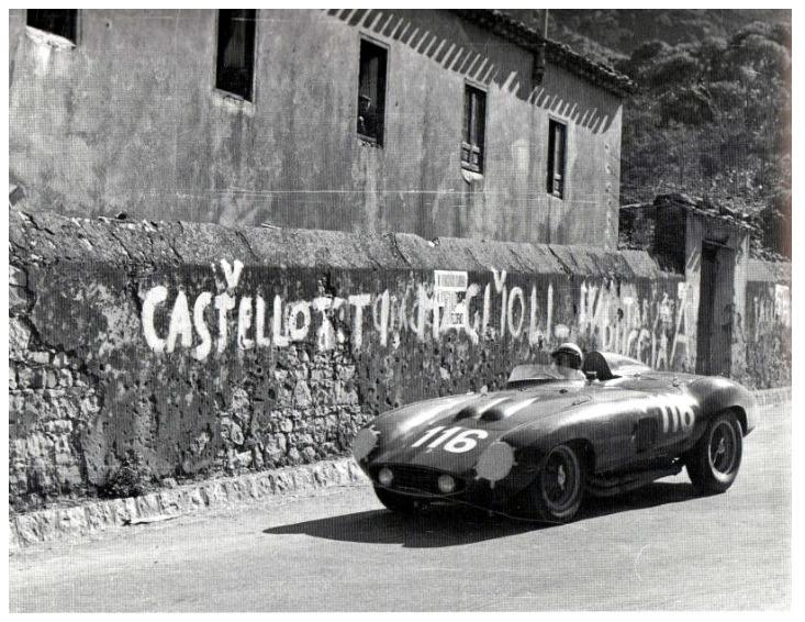Castellotti à bord de sa Ferrari 860 Monza n°116