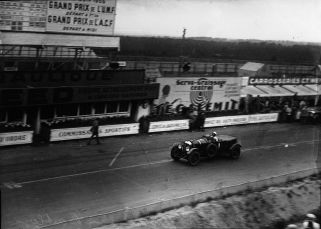 bentley_1_of_barnato_and_birkin_at_the_1929_24_hours_of_le_mans_5