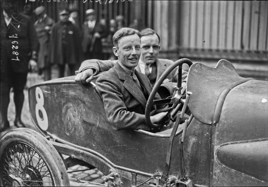 Clive Gallop, derrière le volant