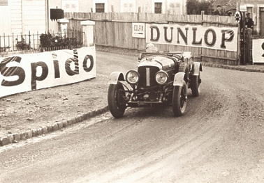 tim_birkin_takes_the_pontilieue_hairpin_in_old_number_1_speed_6_le_mans_1929