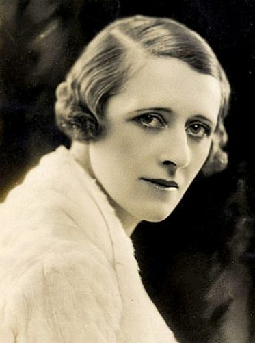 malcolms_wife_lady_campbell_1932_photo_portrait