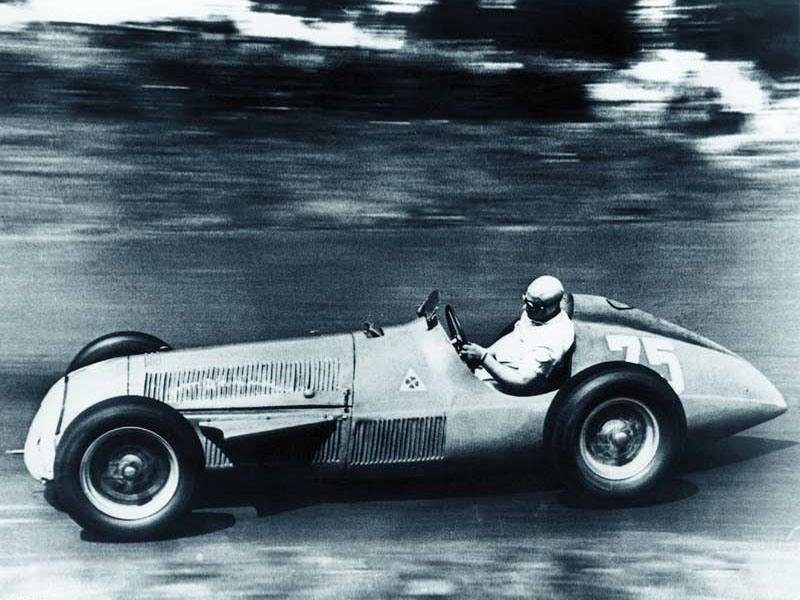Alfa_Romeo_158_Manu-01.jpg