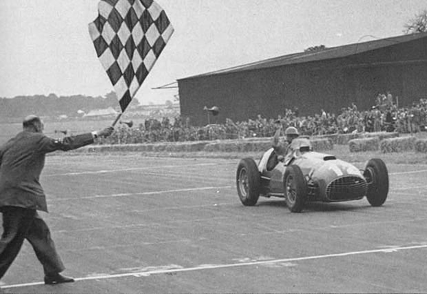 J.F.-González-logra-la-primera-victoria-para-Ferrari-Silverstone-1951.png.jpeg